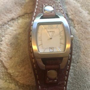 NWOT🌷FOSSIL🌷Brown leather strap silvertone watch